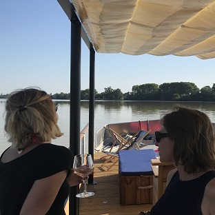 Private Bordeaux city tour and local boat ride
